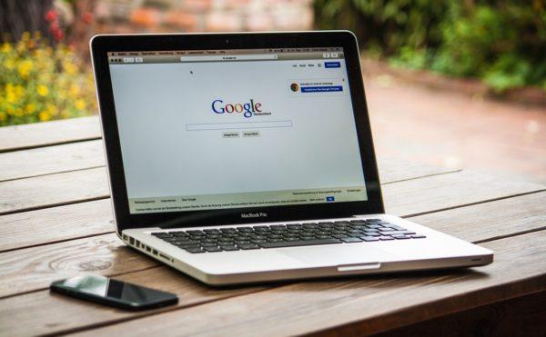 Como encontrar uma lista de potenciais clientes na internet