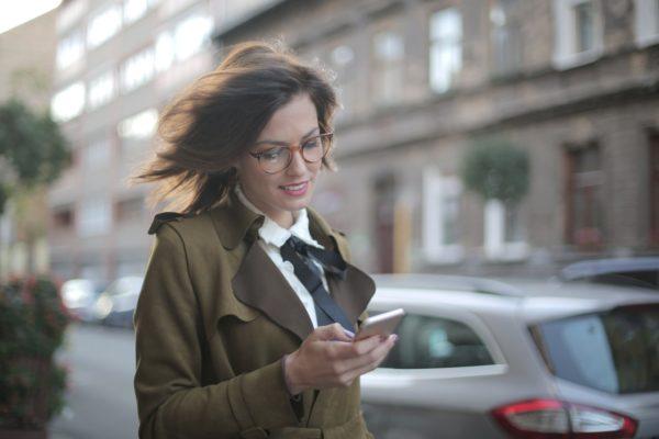 Conheça o segredo do novo aplicativo digital Tik Tok (Foto de Andrea Piacquadio no Pexels)