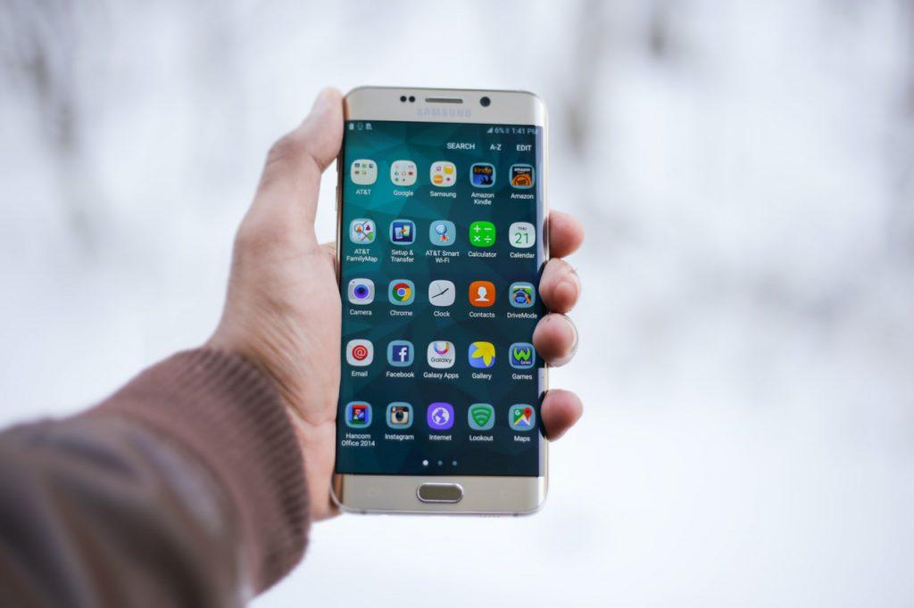 Ótimos aplicativos móveis para gerenciar as finanças de sua empresa (Foto de MOHI SYED no Pexels)