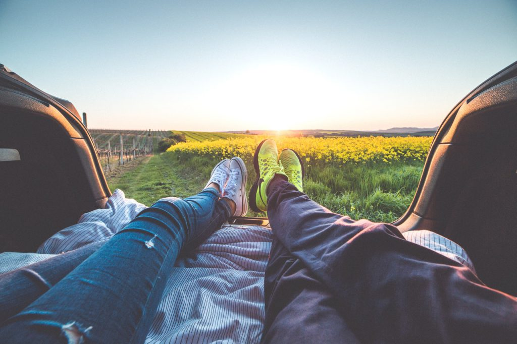 Onde encontrar um parceiro para viagens? (Foto de picjumbo.com no Pexels)